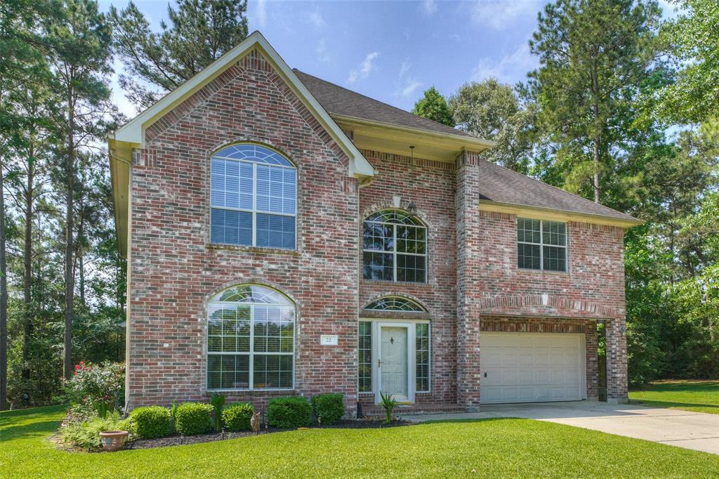 Photo of home for sale at 22 Woodbury Court, Magnolia TX