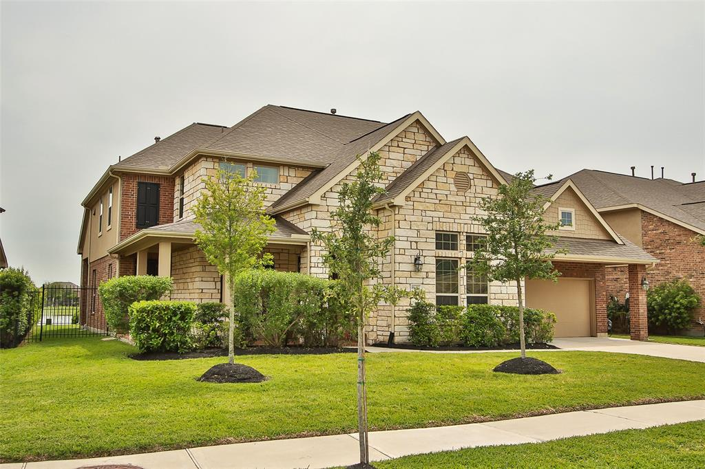 Photo of home for sale at 19414 Stanton Lake Drive, Cypress TX