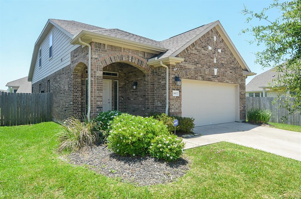 Photo of home for sale at 26927 Harwood Heights Drive, Katy TX