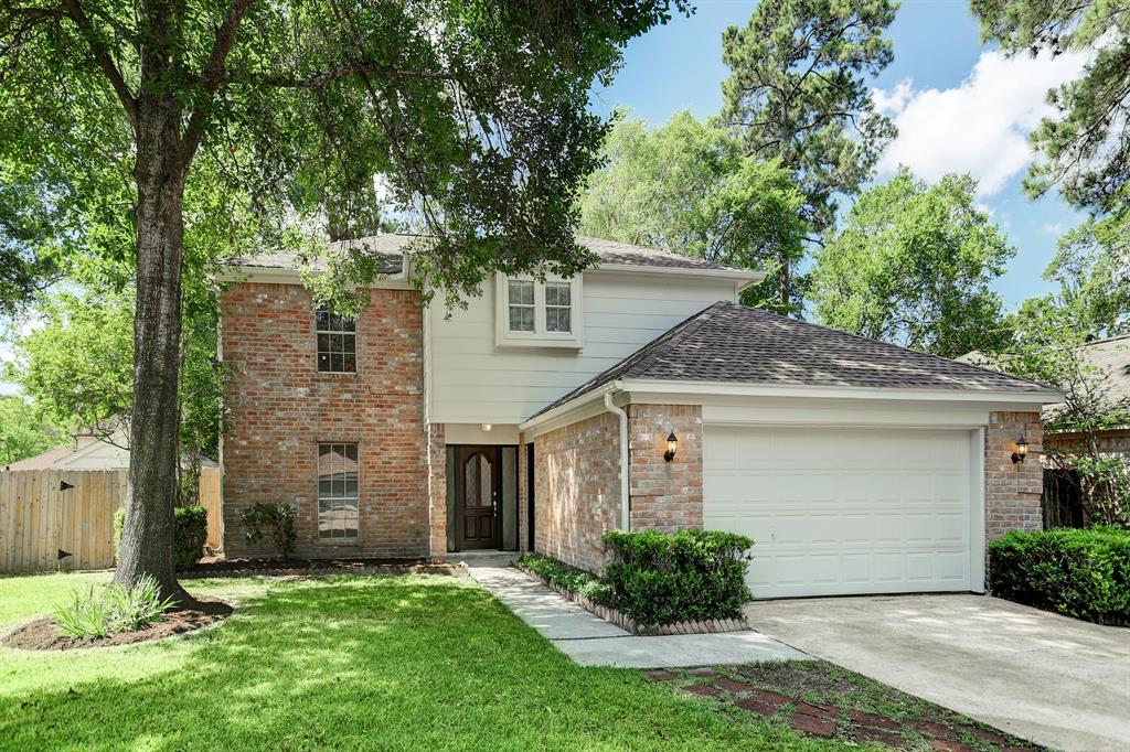Photo of home for sale at 11607 Spring Villa Drive, Houston TX