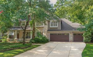 Property for sale at 27 Classic Oaks Place, The Woodlands,  Texas 77382