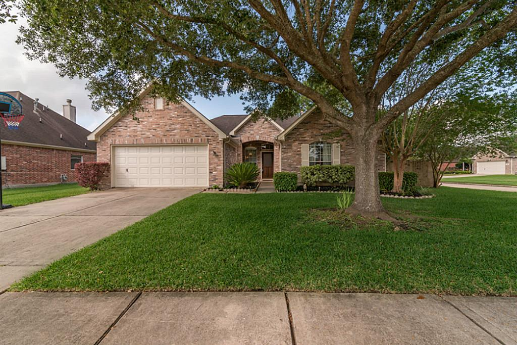 710 Cherry Blossom Drive, League City, TX 77573 - Featured Property