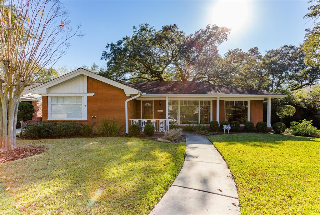 4039 Durness Way Houston TX  77025 - Hunter Real Estate Group