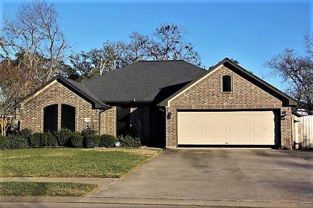 311 Williamsburg Avenue Brazoria Home Listings - Birdsong Real Estate Brazoria County Real Estate