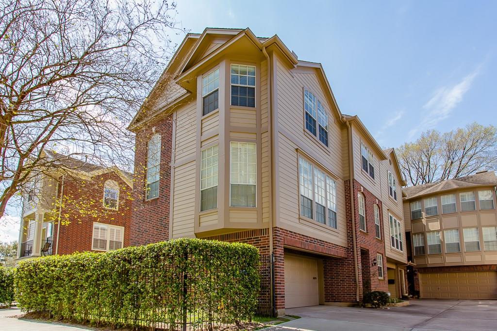 1008 Rochow Street Houston TX  77019 - Hunter Real Estate Group