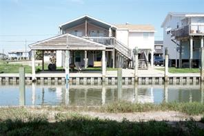 Property for sale at 310 Shark Lane, Surfside Beach,  Texas 77541