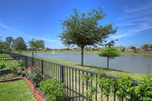 Property for sale at 2704 White Falls Drive, Pearland,  Texas 77584