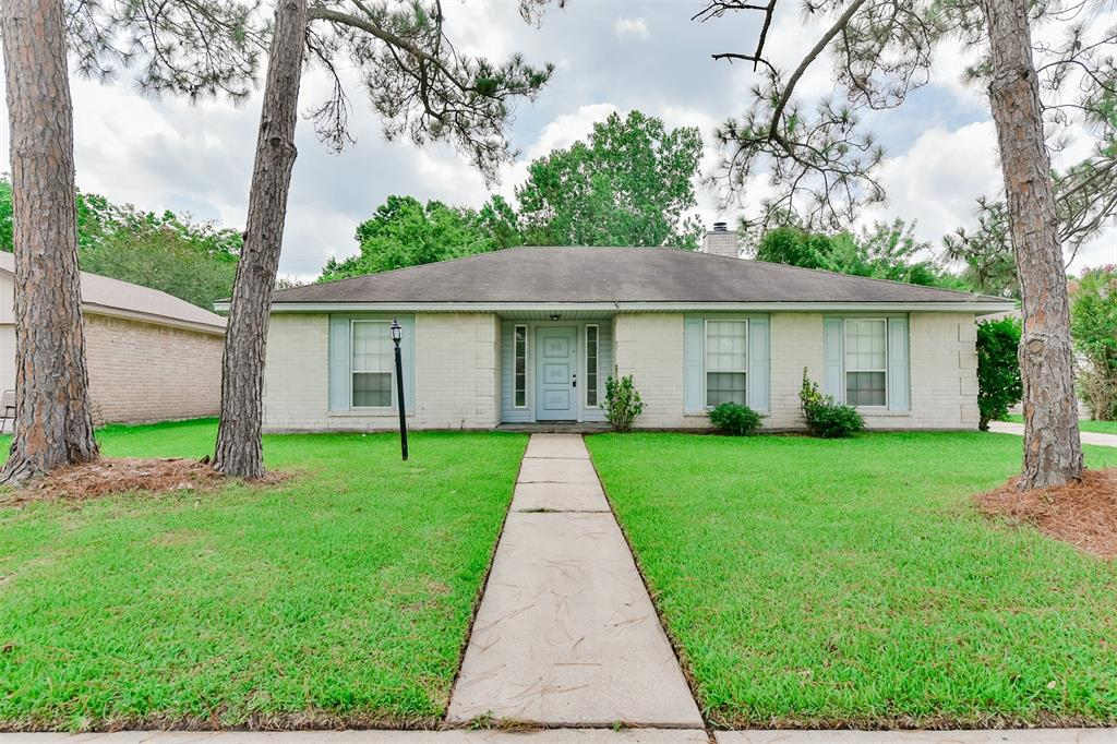 5135 Royal Parkway, Friendswood, TX 77546 - Featured Property