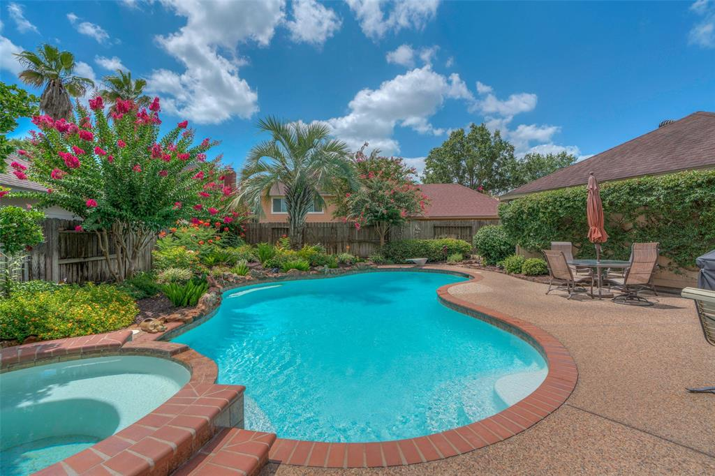 5926 Silent Oaks Drive Kingwood | Atascocita | Humble Home Listings - Lorna Calder REMAX Real Estate