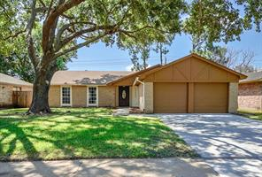 Property for sale at 17330 Heritage Bay Drive, Webster,  Texas 77598