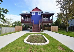 Property for sale at 223 W 5th Street, Kemah,  Texas 77565