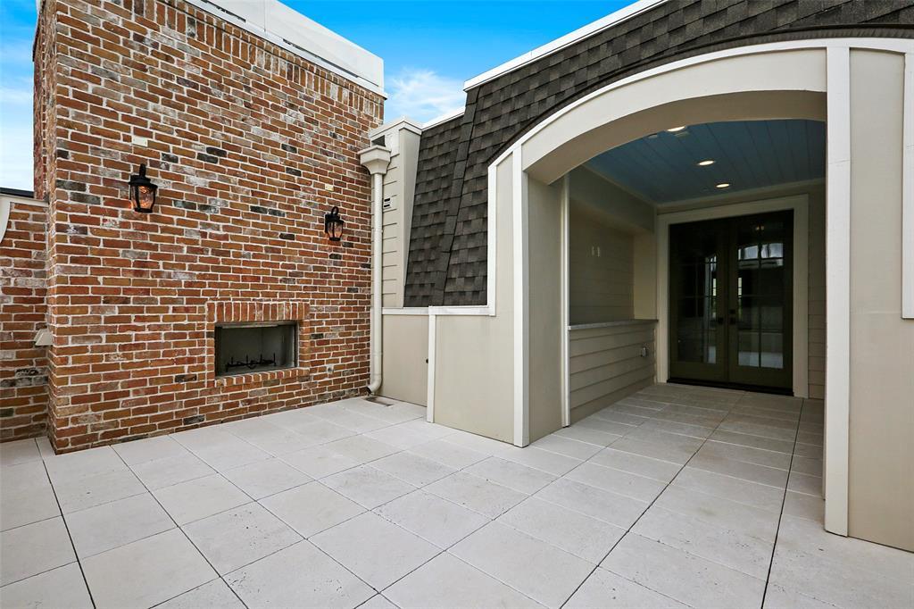 65 Crain Square Boulevard Southside Place, TX 77025