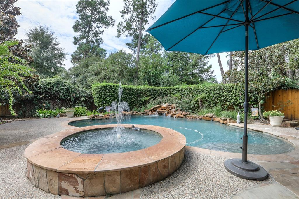 39 Harmony Hollow Court The Woodlands  - RE/MAX The Woodland & Spring