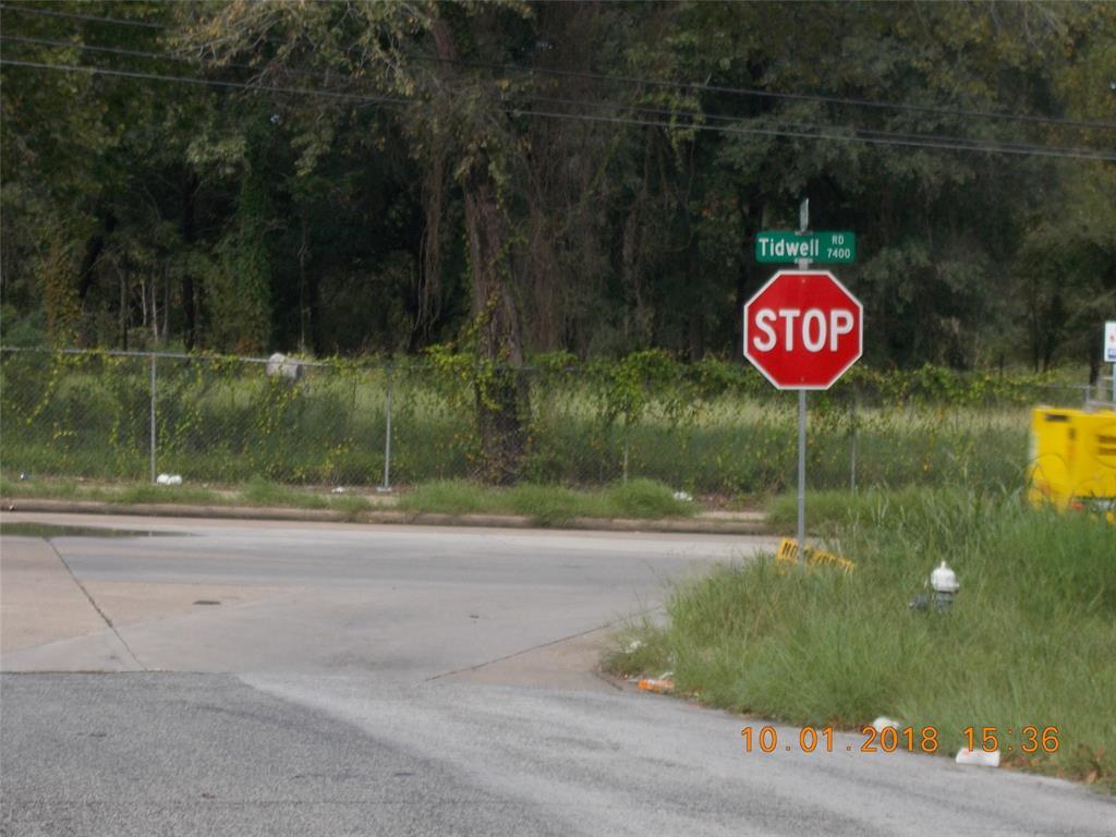 7320 Tidwell Road Houston, TX 77016