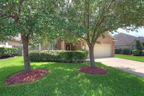 Property for sale at 10024 Hidden Falls Drive, Pearland,  Texas 77584