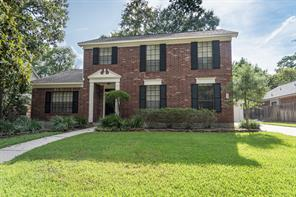 Property for sale at 31 N Duskwood Place, The Woodlands,  Texas 77381