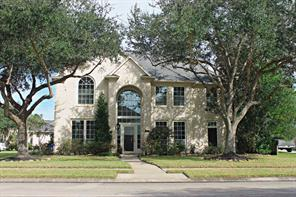 Property for sale at 405 Meadow Trail Lane, Friendswood,  Texas 77546