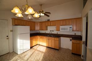 16227 BOWRIDGE LANE, HOUSTON, TX 77053  Photo 11