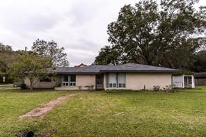 Property for sale at 1227 Moffet Road, Clute,  Texas 77531