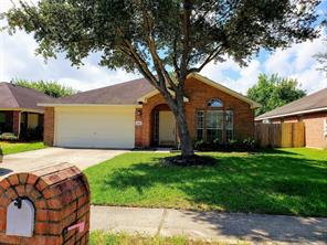 Property for sale at 4818 Chase Court Drive, Bacliff,  Texas 77518
