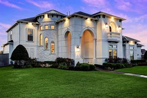 Property for sale at 2 Dominion Court, Friendswood,  Texas 77546