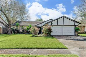 Property for sale at 17346 Heritage Bay Drive, Webster,  Texas 77598