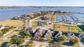 Property for sale at 310 Lago Vista Street, Kemah,  Texas 77565