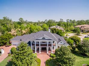 Property for sale at 900 Timber Creek Court, Friendswood,  Texas 77546