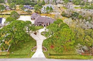 Property for sale at 802 Cowards Creek Drive, Friendswood,  Texas 77546