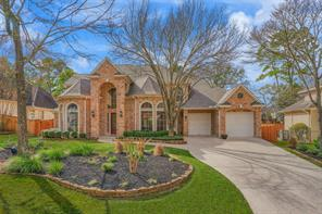 Property for sale at 114 N Hunters Crossing Circle, The Woodlands,  Texas 77381