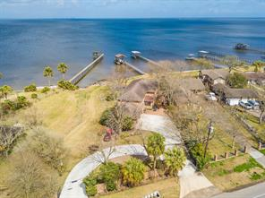 Property for sale at 4995 W Bayshore Drive, Bacliff,  Texas 77518