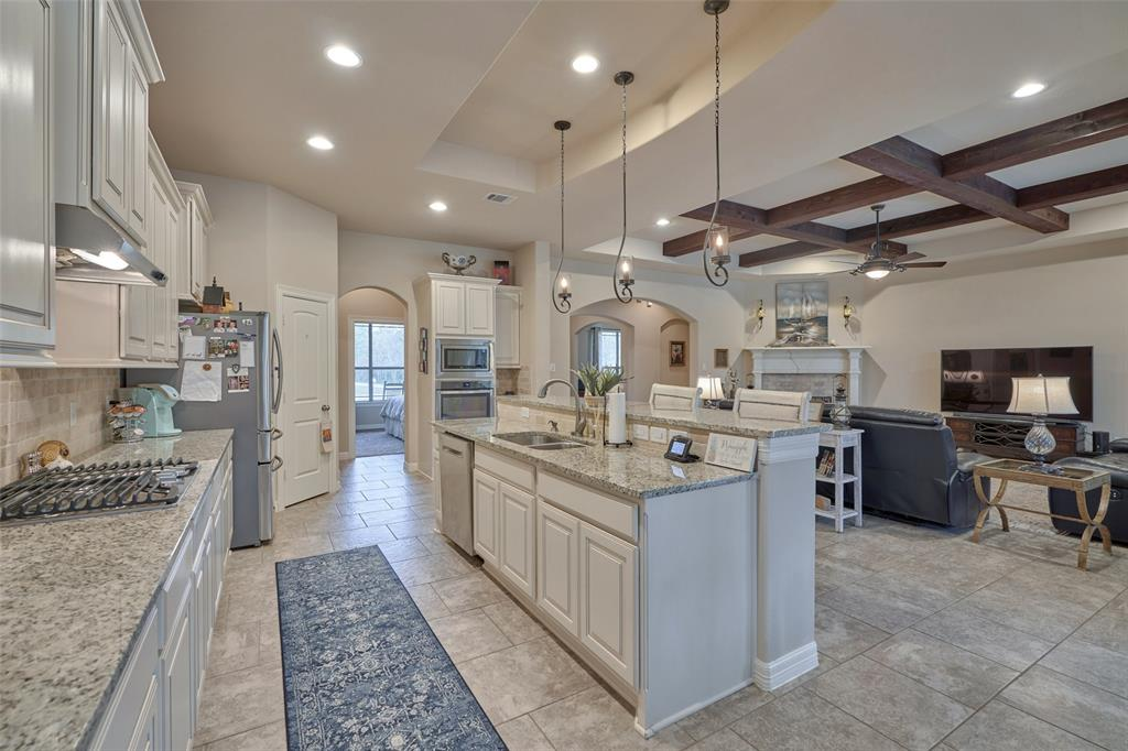 28510 Redwood Cliff Lane Kingwood | Atascocita | Humble Home Listings - Lorna Calder REMAX Real Estate