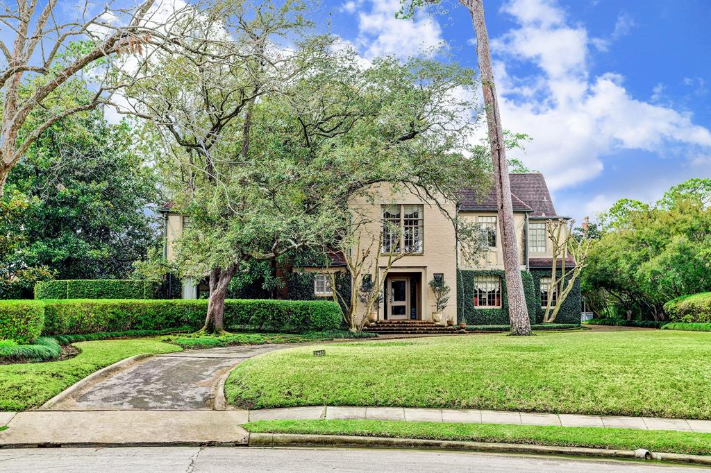 2445 Pine Valley Court, Houston, TX 77019   Martha Turner ...