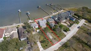 Property for sale at 1437 Bayshore Drive, Kemah,  Texas 77565