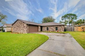 Property for sale at 17627 Heritage Creek Drive, Webster,  Texas 77598