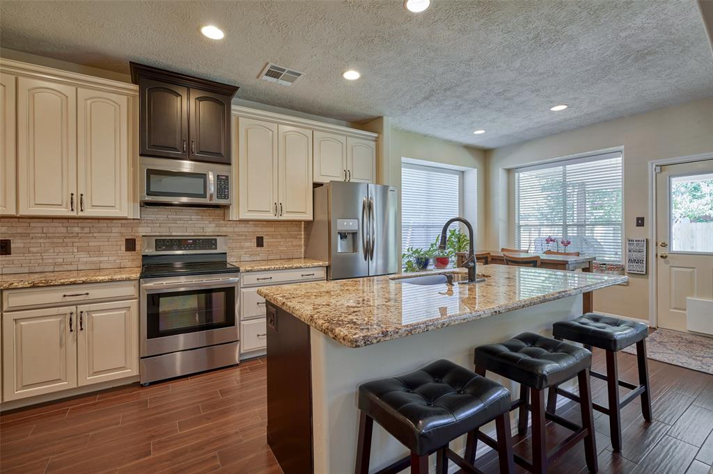 20610 Water Point Trail Kingwood | Atascocita | Humble Home Listings - Lorna Calder REMAX Real Estate