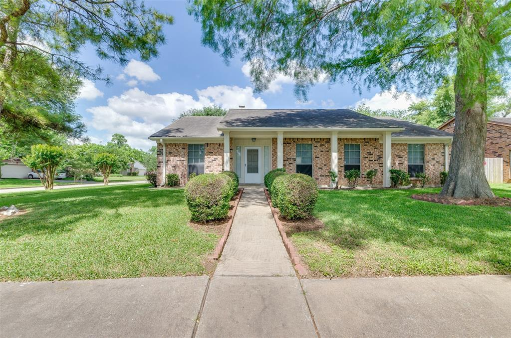 2226 Windy Meadow Drive Sugar Land, TX 77478