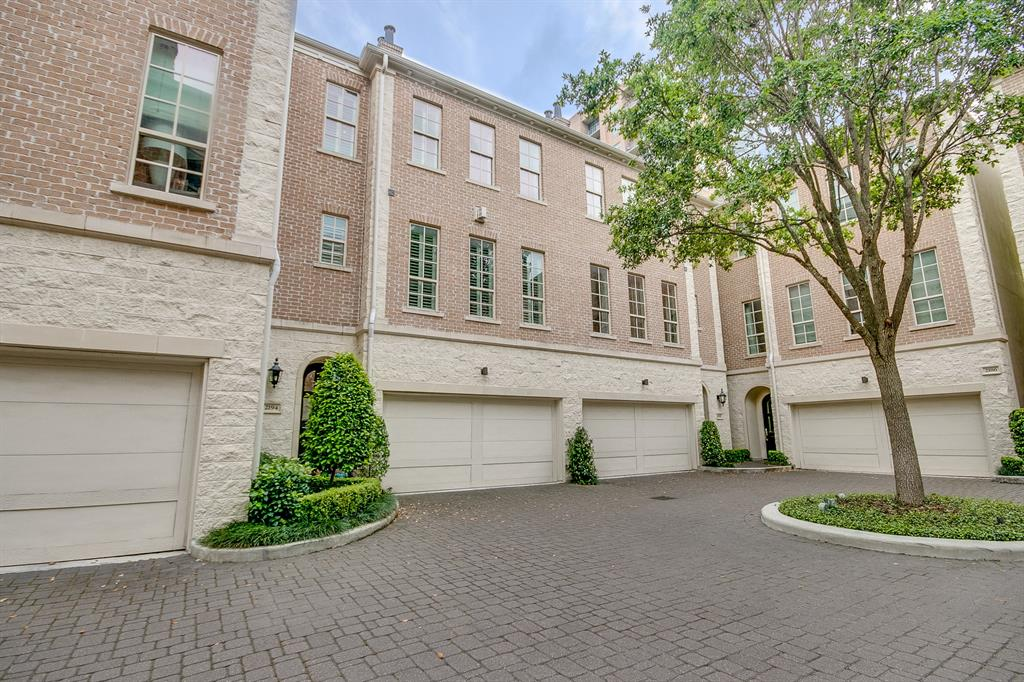 2194 Briarglen Drive Houston, TX 77027