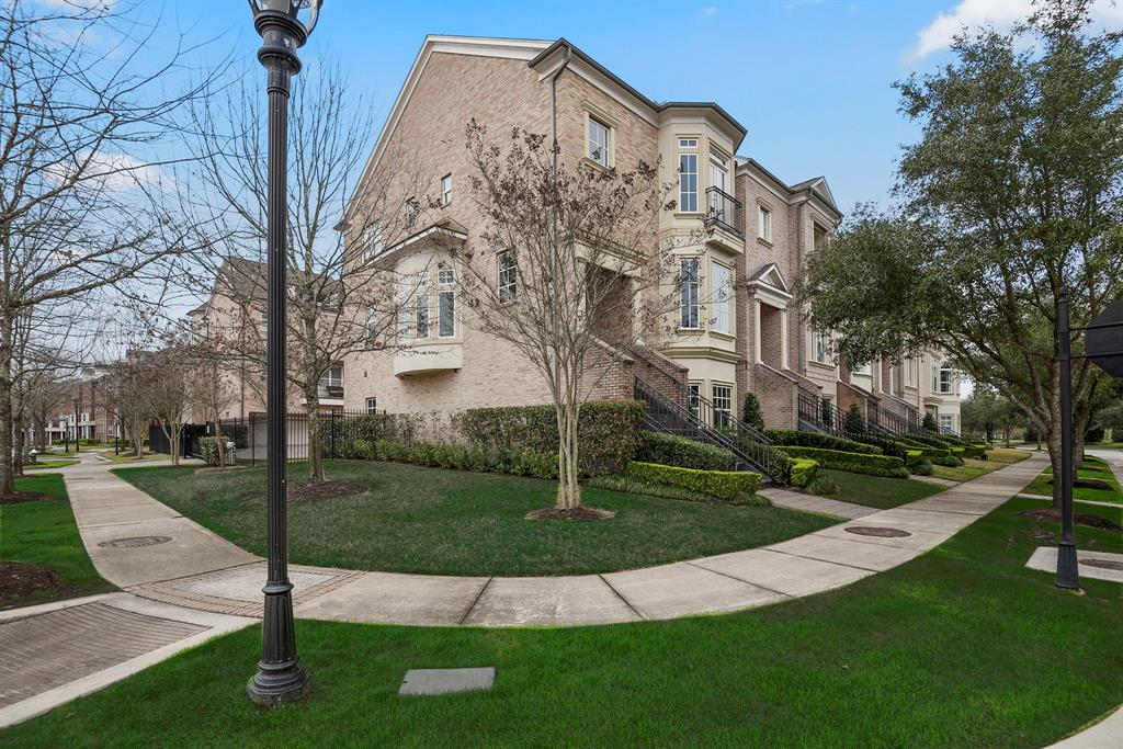 3 Colonial Row Drive The Woodlands, TX 77380