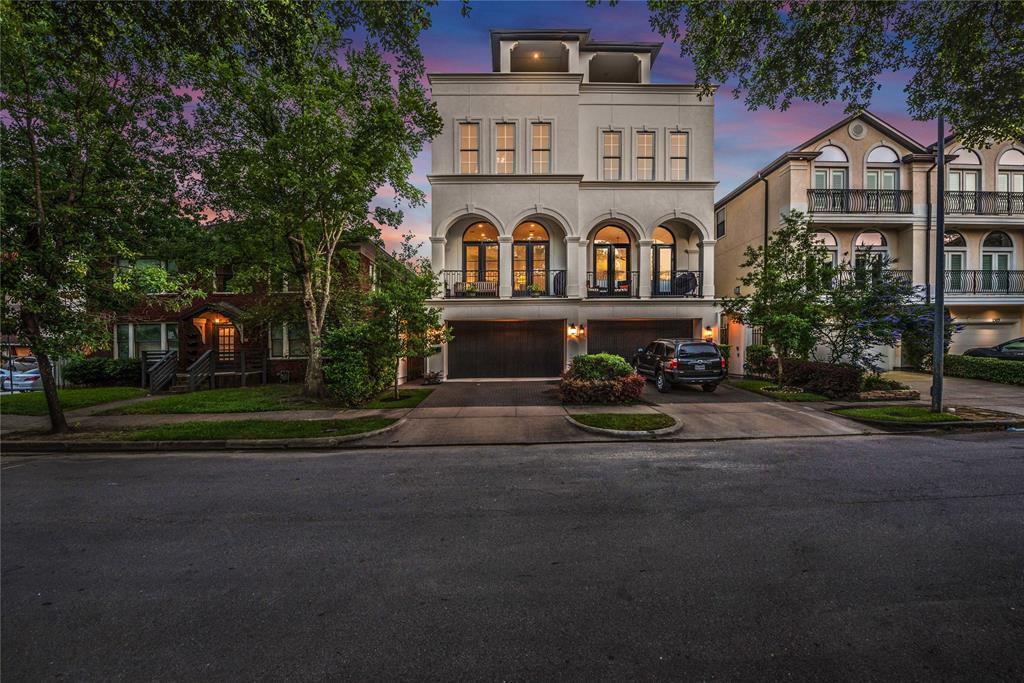 1303 W Bell Street Houston, TX 77019