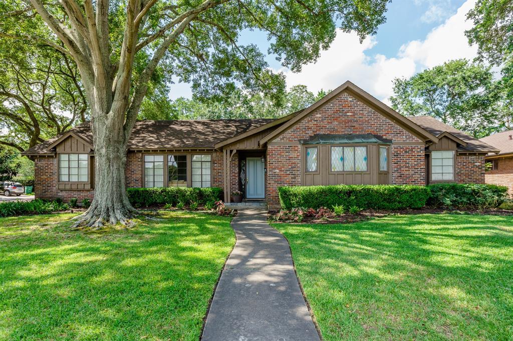 5727 Wigton Drive Houston TX  77096 - Hunter Real Estate Group