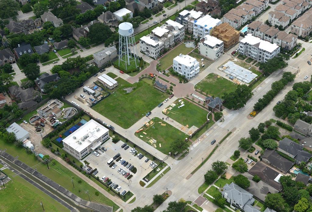 19 Crain Square Boulevard Southside Place, TX 77025