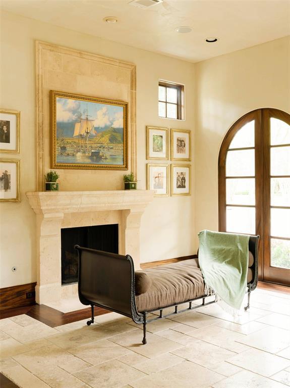 Hamptons Real Estate Showcase: 6501 Westchester Avenue, West University Place, TX 77005