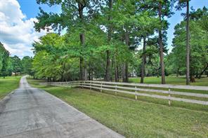 Property for sale at 180 Pot Of Gold, Huntsville,  Texas 77320