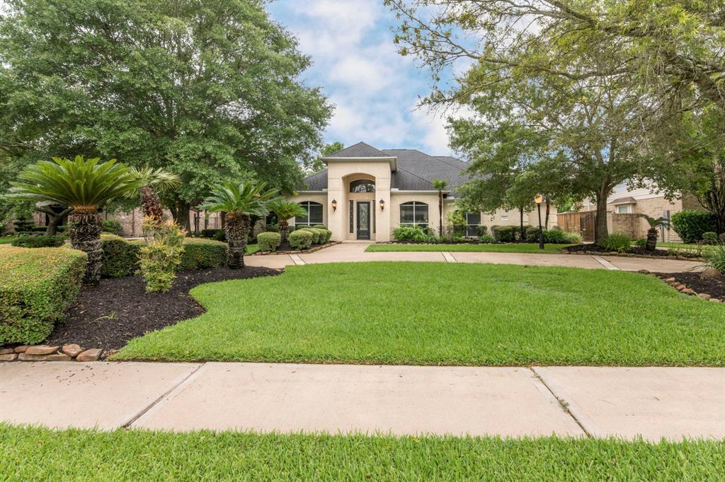 12 Marys Creek Lane, Friendswood, TX  77546 - Featured Property