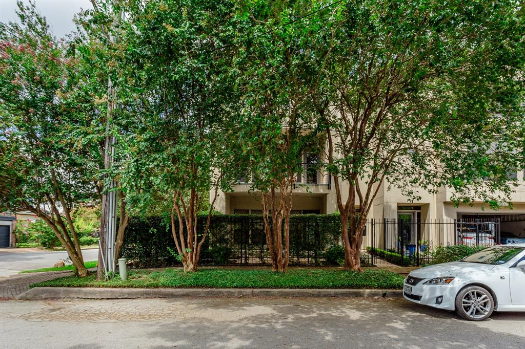 2616 Mason Street Houston, TX 77006