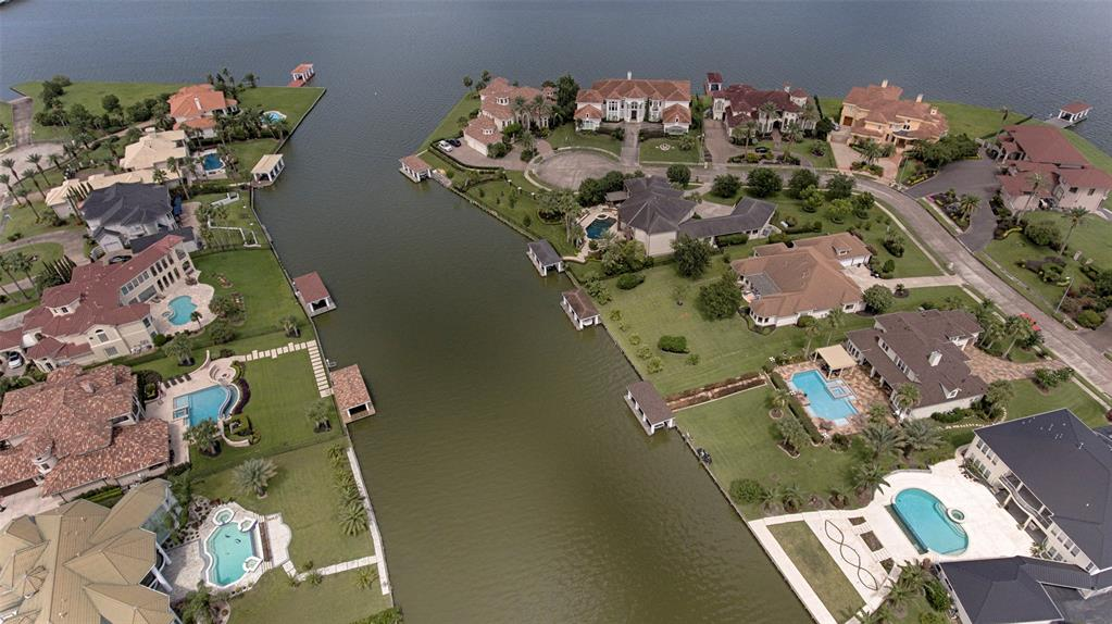 1907 Ray Shell Court Seabrook, TX 77586