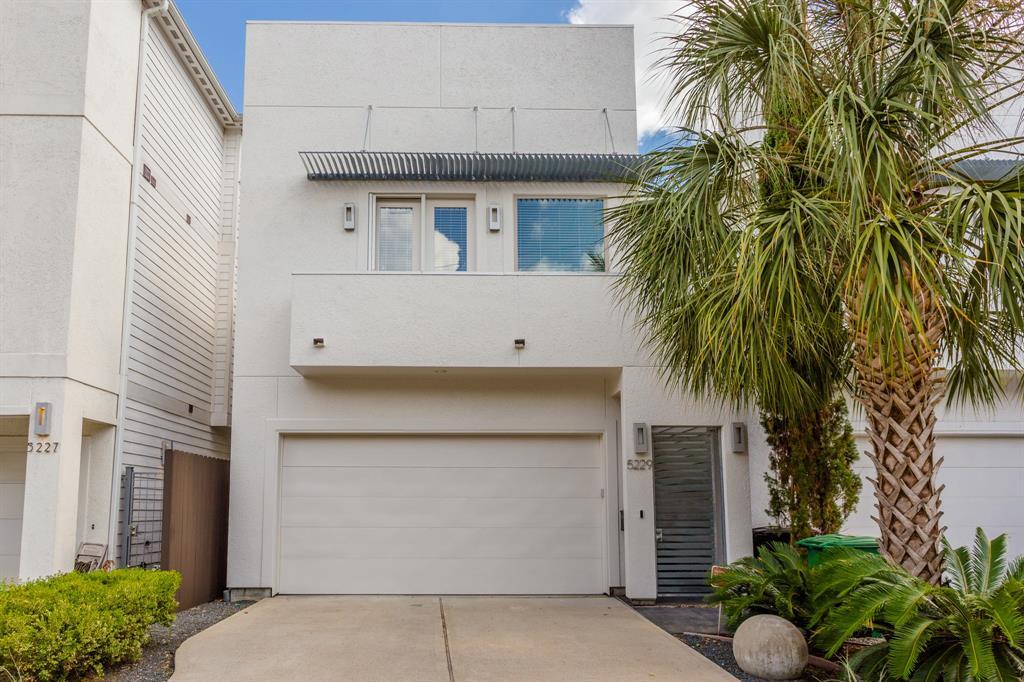 5229 Nett Street Houston TX  77007 - Hunter Real Estate Group