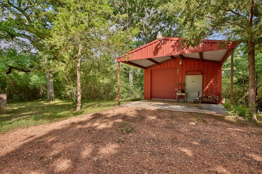 1783 Bravenec Lane Bellville, TX 77418