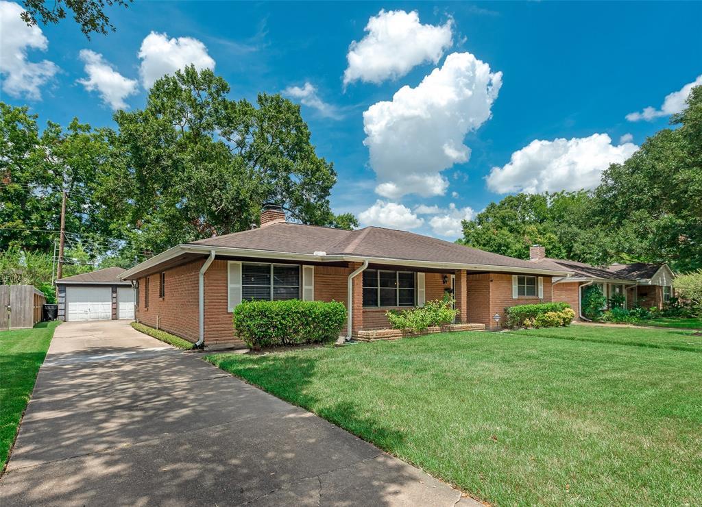 5810 Wigton Drive Houston TX  77096 - Hunter Real Estate Group